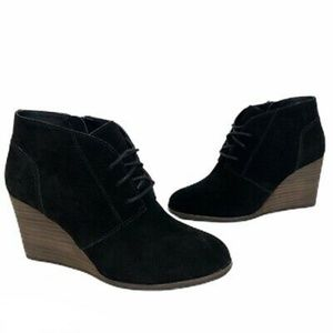 NWOB Lucky Brand Shylow Suede Black Wedge Boot